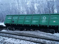 Изначально сообщалось о сходе 18 вагонов товарного поезда N2482 на 1360-м километре железнодорожной станции Абдулино, информация об этом поступила в 09:03