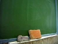 """Приморская школа оказалась в центре скандала после жалоб на антигейскую лекцию для мальчиков с """"приглашенными бандитами"""""""