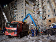 К вечеру 2 января в Магнитогорске на месте обрушения взорванного подъезда 10-этажно жилого дома номер 164 по проспекту Карла Маркса спасатели обнаружили тела 24 погибших. На данный момент 19 из них опознаны, среди них двое детей