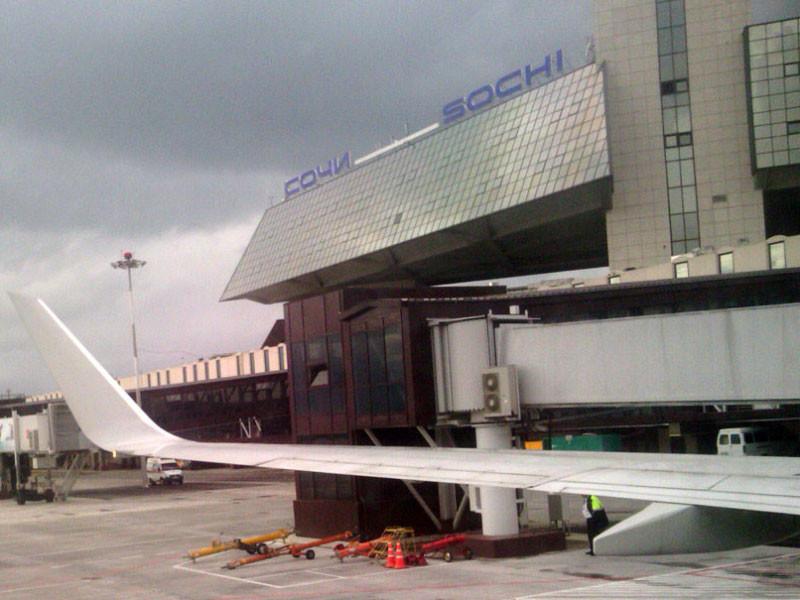 В Сочи экстренно сел самолет, пассажир которого избил стюардессу