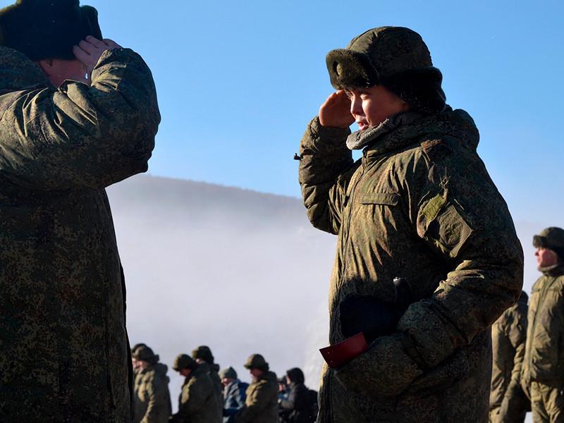 Российские военнослужащие ликвидировали затор на реке Бурея в Хабаровском крае. Об этом сообщило во вторник министерство обороны РФ. Сотни военнослужащих награждены медалями