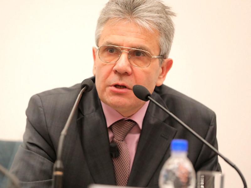 В России из 10 тысяч работников только около 50 занимаются наукой, посетовал президент РАН