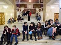"""В Минюсте решили обязать родителей содержать детей-студентов, получающих """"нищенские"""" стипендии"""