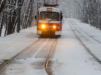 В Магнитогорске кондуктор высадил из трамвая на мороз больную школьницу и лишился работы
