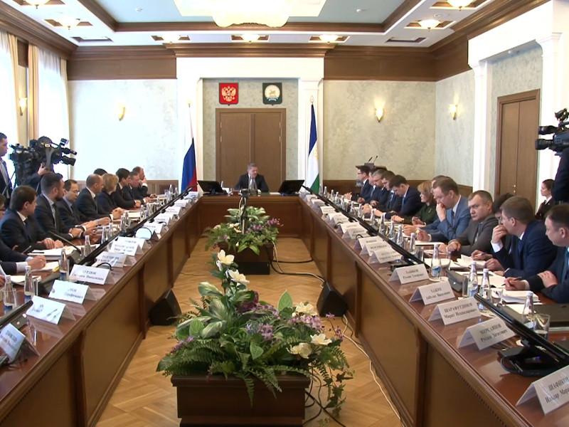 """Глава Башкирии извинился за мэра Сибая, назвавшего одного из жителей """"козлом"""" и """"экскрементом"""""""