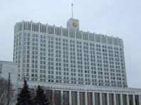 Доля россиян, которые считают, что чиновники лгут о положении дел в стране, достигла максимума (52%). Годом ранее назад об этом заявляли 37% респондентов