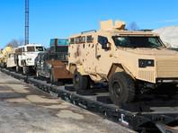 В эшелоне 20 вагонов. На девяти платформах размещены уникальные образцы военной техники, начиная с танка Т-55, попавшего в Сирию из Грузии, заканчивая тоннельной машиной китайского производства