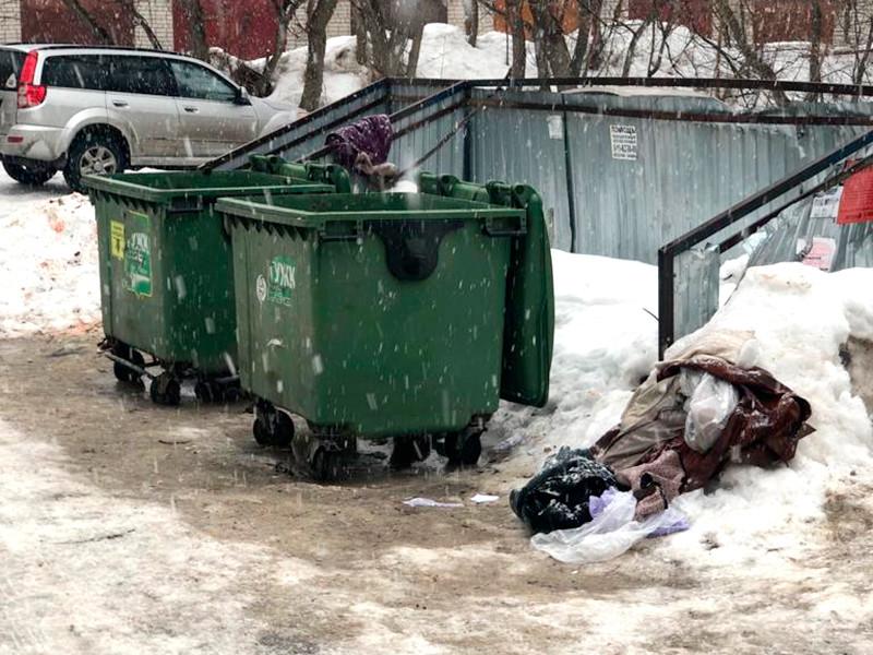 Жительница Рязани выбросила новорожденного сына в мусорный контейнер