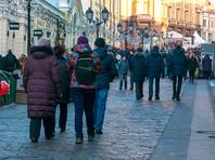 Число россиян, видящих пользу от присоединения Крыма к России, уменьшилось почти вдвое