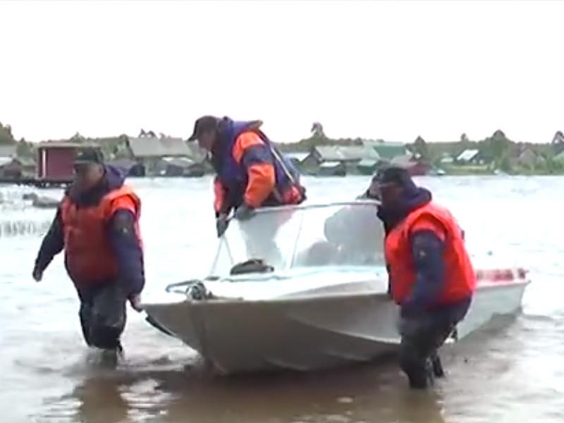 """Городской суд Петрозаводска вынес приговор сотрудникам карельского лагеря """"Сямозеро"""", где в 2016 году во время водного похода погибли 14 детей"""