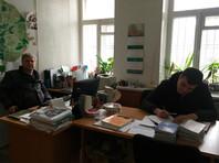"""В московском отделении партии """"Яблоко"""" полицейские изъяли литературу в поисках экстремизма"""