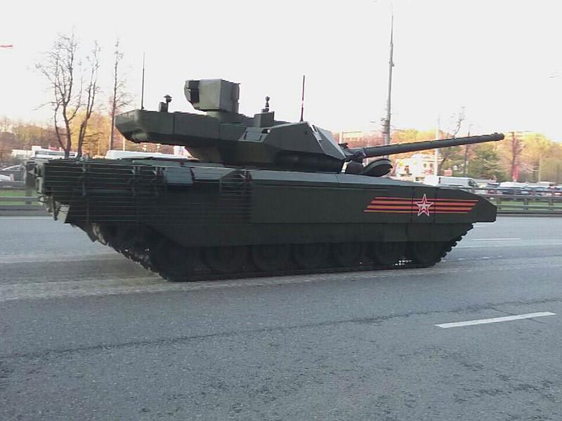 """Конструкторы-танкостроители решили проблему отсутствия удобств в танках: в тяжелых машинах, созданных на платформе """"Армата"""", оборудованы санузлы"""