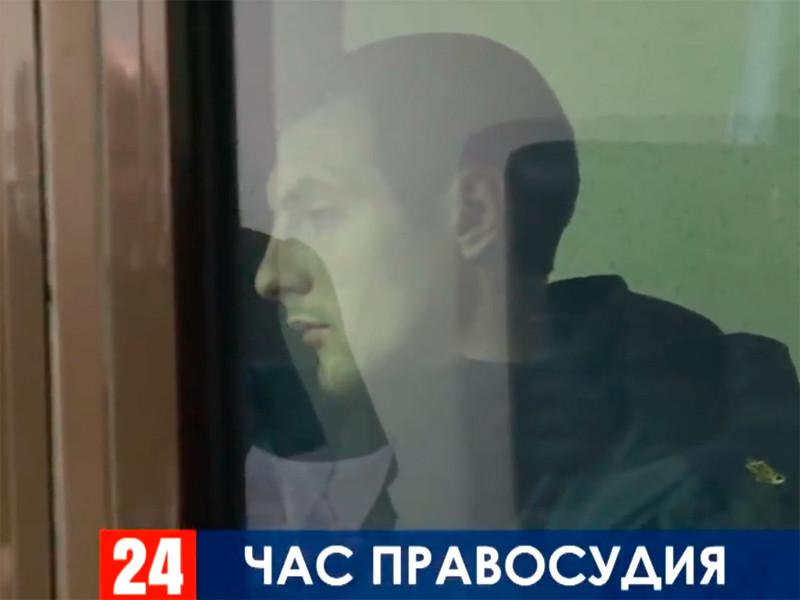25 ноября, по версии России, три корабля Военно-морских сил Украины незаконно пересекли госграницу РФ и вошли в территориальные воды. Они были задержаны, а 24 моряка арестованы