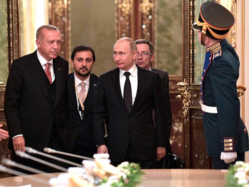 Владимир Путин и Реджеп Тайип Эрдоган перед началом заседания Совета сотрудничества высшего уровня между Российской Федерацией и Турецкой Республикой