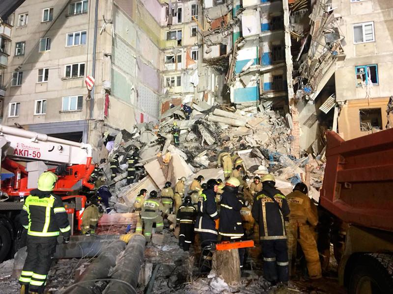 Жильцы дома N164 по проспекту Карла Маркса в Магнитогорске, где 31 декабря в результате взрыва обрушился подъезд, начали возвращаться в квартиры