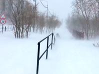 За неделю до календарного лета на севере России свирепствует зима (ВИДЕО)