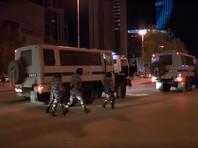 По предварительным данным, в ходе акции были задержаны 23 человека. Портал 66.ru со ссылкой на правозащитников, которые находились около автозаков, сообщает о 28 задержанных