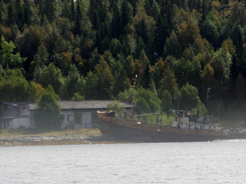 Полиция в Мурманской области начала проверку после исчезновения моста через реку Умба под Кировском, где расположен крупнейший горнолыжный курорт региона