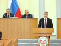 Валентин Коновалов был избран на пост главы Хакасии в ноябре прошлого года. После первого тура, где он одержал победу, действующий глава региона Виктор Зимин снял свою кандидатуру, мотивировав свое решение состоянием здоровья