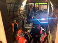 Из тоннеля Солнцевской и Большой кольцевой линий московского метрополитена, где во вторник вечером застряли три поезда, вывели более тысячи пассажиров