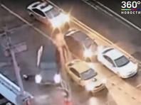 В ночь на 26 мая на Кутузовском проспекте инспектор ДПС остановил автомобиль Toyota под управлением молодого человека 1992 года рождения. Водитель, предъявив водительское удостоверение, при общении с инспектором повел себя неадекватно и попытался скрыться