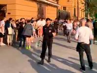 """В Москве задержали несколько человек на пикетах в поддержку журналиста """"Медузы"""" Ивана Голунова"""