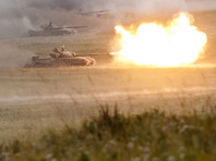 Во время учений танк Т-72 произвел выстрел дымовой гранатой, а потом - штатным снарядом. В результате стрельбы один из солдат, 20-летний Андрей Виттих, получил смертельные ранения. Истцы же получили тяжкий вред здоровью