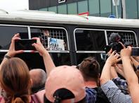 Подросток, задержанный на марше в поддержку Голунова, рассказал об избиении омоновцем