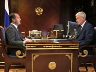 Медведев поручил проработать создание единой базы данных всех ведомств по примеру ФНС