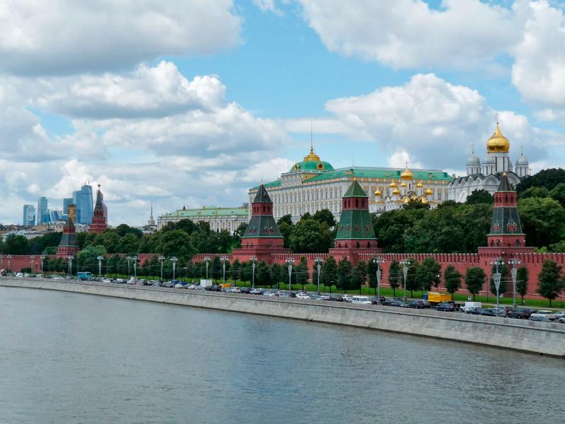 Путин подписал закон о праве граждан обращаться в суды с коллективными исками
