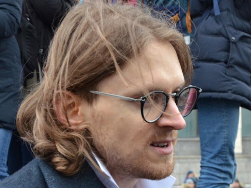 Пресненский суд Москвы арестовал на 30 суток одного из организаторов намеченной на 3 августа акции протеста в поддержку незарегистрированных кандидатов в Мосгордуму, члена Либертарианской партии Михаила Светова