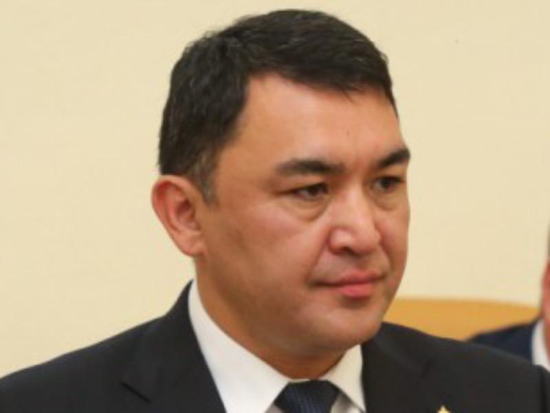 Сотрудники правоохранительных органов задержали экс-главу правительства Астраханской области Расула Султанова