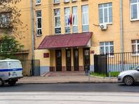 Мещанский районный суд Москвы удовлетворил ходатайство Следственного комитета РФ об аресте Евгения Коваленко - одного из участников прошедшего 27 июля в центре Москвы несанкционированного митинга, бросившего в сотрудников ОМОНа мусорный бак