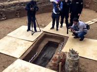 В центре Смоленска в парке отдыха под бывшей танцплощадкой нашли гроб любимца Наполеона генерала Гюдена