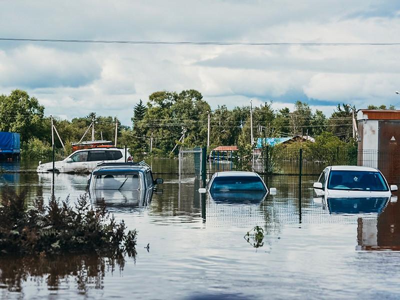 В некоторых населенных пунктах в охваченной наводнениями Амурской области возникли проблемы с эвакуацией населения, которое отказывается покидать свои жилища