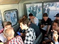 Задержанный Константин Коновалов сообщил из автозака, что полиция задерживает случайных людей