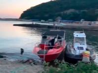 В Черном море опрокинулось прогулочное судно
