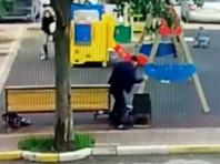 Мужчину, зарезавшего женщину на оживленной детской площадке в Подмосковье, подозревают еще в одном убийстве