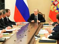 Помощника полпреда президента в УрФО Александра Воробьева, задержанного на прошлой неделе по подозрению в госизмене, обвиняют в том, что он передавал за границу информацию с заседаний Совета безопасности РФ