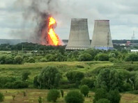 """В подмосковных Мытищах наблюдается столб огня высотой 50 метров предположительно на территории ТЭЦ """"Северная"""", на место происшествия направлены крупные силы МЧС"""