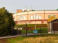 МИД России отказал в предоставлении виз 30 преподавателям Англо-американской школы, управляемой посольствами западных стран, пишет газета The New York Times со ссылкой на письмо члена совета учебного заведения и сотрудницу посольства США Хизер Бирнс