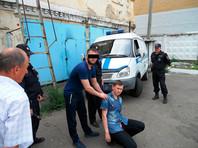 """""""Следователи установили, что мотивом данного поступка у экс-полицейского явилась неприязнь к потерпевшему, учинившему в тот день на почве ревности разбирательства и выяснение отношений со своей супругой и обвиняемым"""", - сообщает СК РФ"""