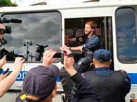 В Петербурге задержали журналистов и участников пикетов против замалчивания гомофобных преступлений (ФОТО, ВИДЕО)