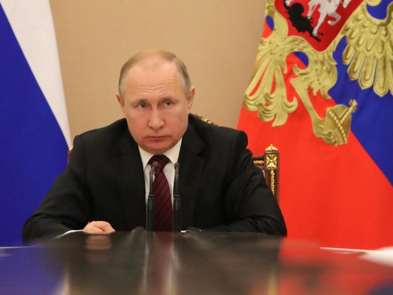 Расходы на содержание президента России Владимира Путина и функционирование аппарата его администрации и чиновников обойдутся налогоплательщикам в 116 млрд рублей в ближайшие три года