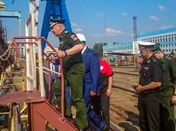 """По его словам, проект вертолетоносцев для российского Военно-морского флота даже еще не утвержден, не определено и место их строительства. """"Ничего пока не скажу, пока проекта нет. А где строить - пускай Родина решает"""", - заявил Рахманов"""