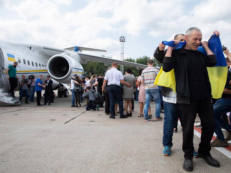 """Обмен пленными дорого обошелся Украине, новому президенту которой во что бы то ни стало нужен был """"успех"""""""