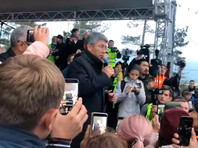 Глава Бурятии Цыденов выступил на митинге перед протестующими против результатов выборов мэра Улан-Удэ