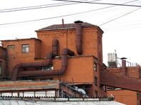 Что касается отраслевой специализации населенных пунктов с самым загрязненным воздухом, то в семи из представленных городов расположены предприятия черной, цветной и алюминиевой промышленности. В стольких же городах находятся предприятия машиностроения, а также химической и нефтеперерабатывающей промышленности