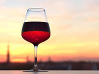 Женщины могут выпить 200 мл вина крепостью около 12%