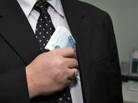 Зарплаты чиновников подняли на 4%, втрое превысив среднюю зарплату по стране